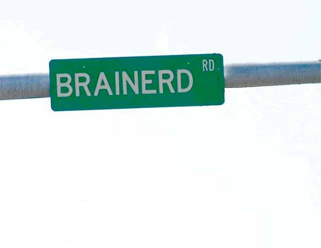 brainerd-road-sign.jpg