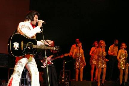 Bill Cherry as Elvis
